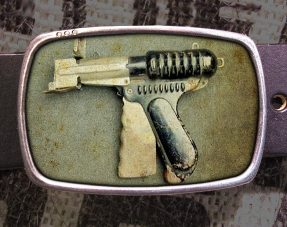 Raygun Belt Buckle, Scifi Buckle, Retro Cool 576
